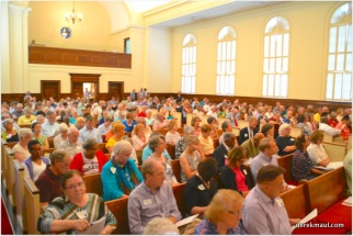 congregation attentive