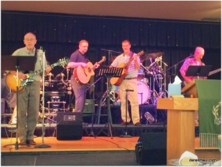 Derek, Dan, Tim, Hans (Brett behind drums)