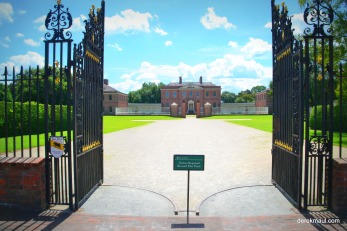 Tryon Palace from the outer gate