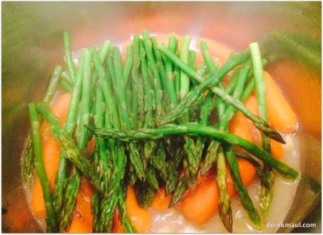 steaming the asparagus