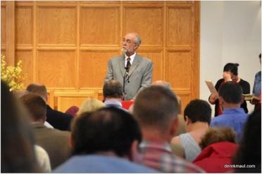Joe Wilburn leading call to worship