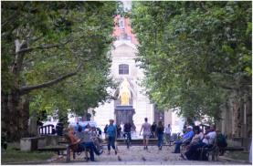 Looking back to the Golden Horseman - Hauptstrasse