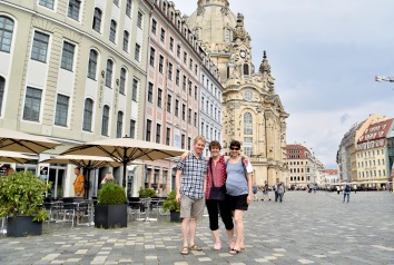 square in front of the Frauenkirche