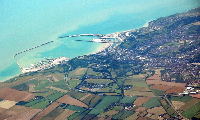 1-1024px-Dover_from_air