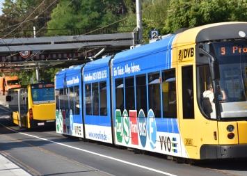 bus following tram in Dresden